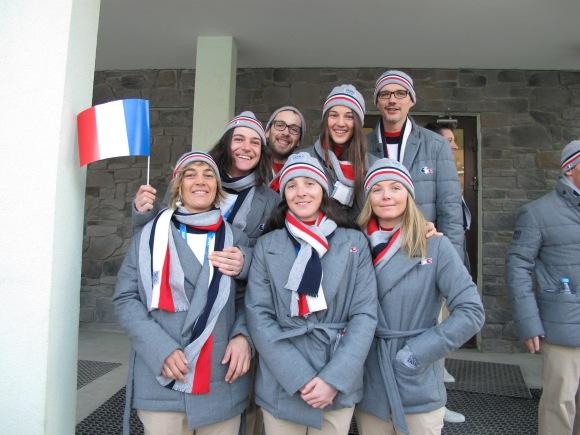 L'équipe de Snowboard avant la cérémonie d'ouverture